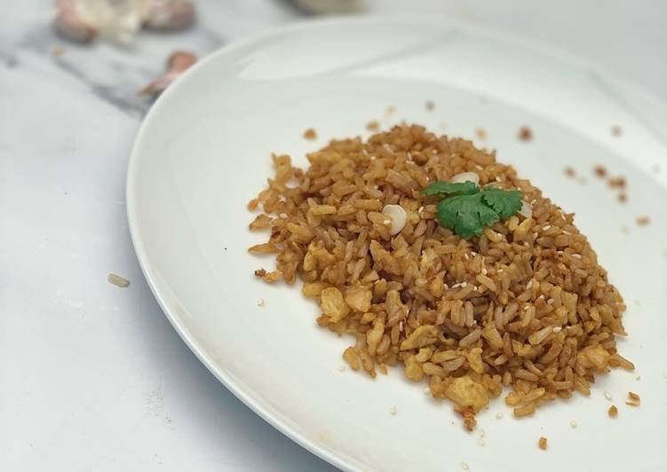 How to Make Award-winning Garlic Fried (Brown) Rice