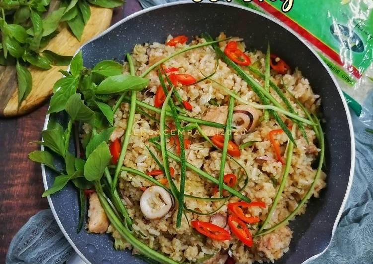 Nasi Kerabu Goreng
