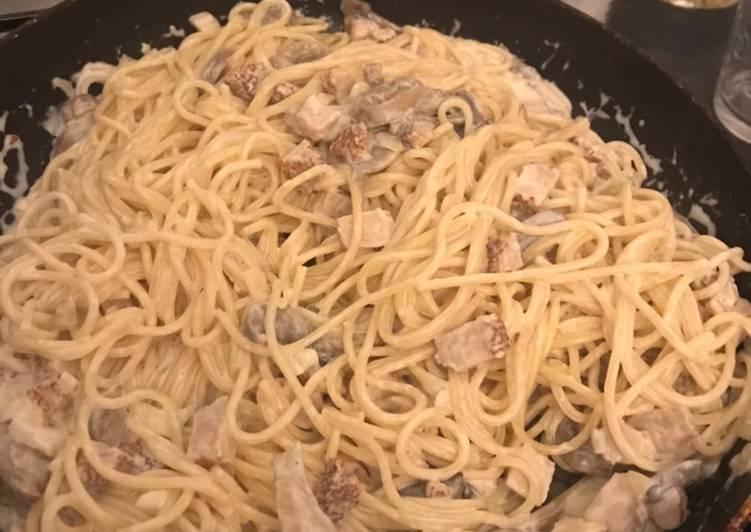 Recipe: Appetizing Spaghettis Carbonara Champignons, oignon et dès de poulet
