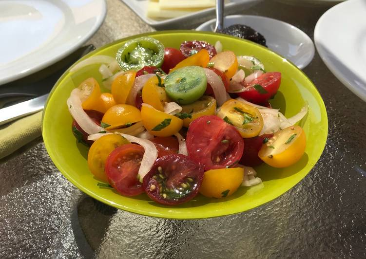 Simple Tomato & Sweet Onion Salad