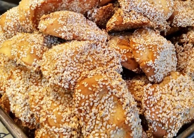 κύρια φωτογραφία συνταγής Κουλουράκια με σουσάμι και μέλι