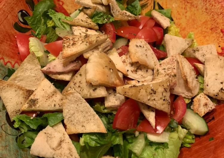 5 Minute Recipe of Refreshing Fattoush Salad