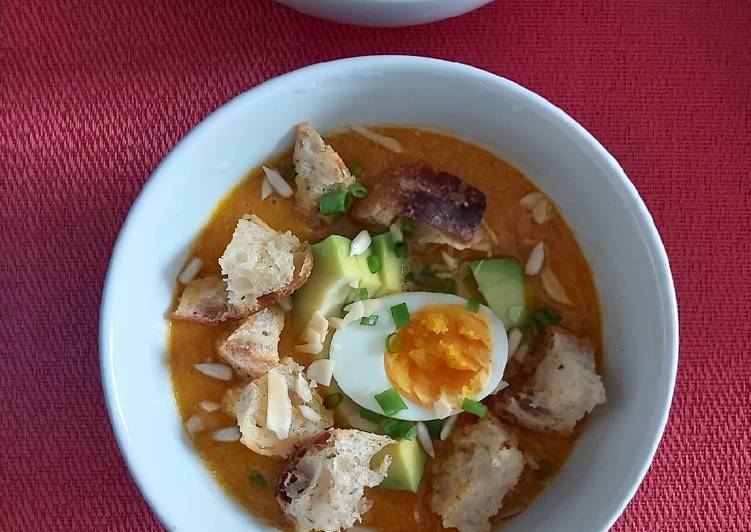 Pumpkin Carrot Soup with avocado (Low Calorie)