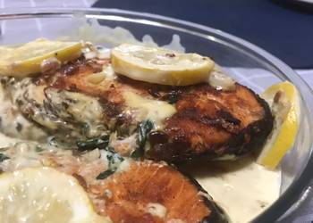 How to Cook Appetizing Pan fried Salmon with creamy sauce