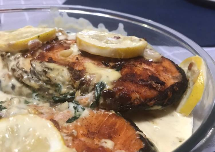 20 Minute Dinner Easy Summer Pan fried Salmon with creamy sauce