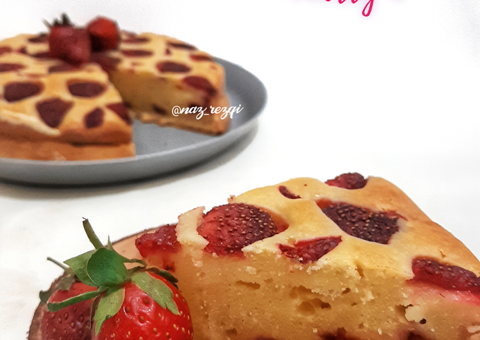 Simple French Strawberry Cake