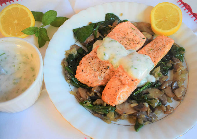 Salmon fillets with mushroom & spinach