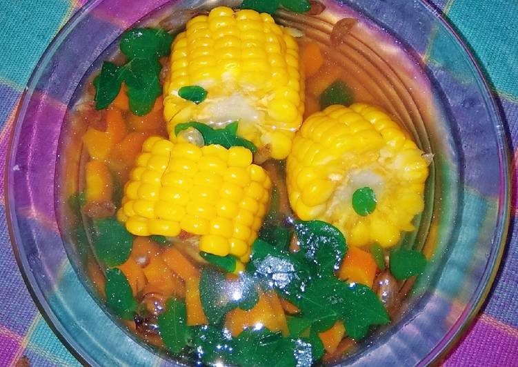 Sayur kelor, wortel, jagung.