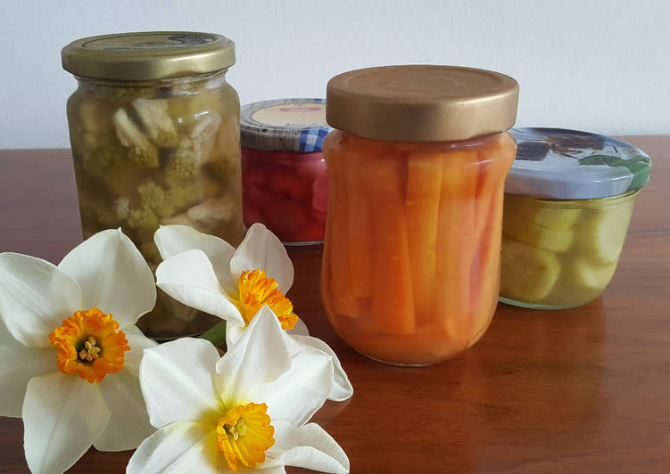 Simple Way to Prepare Quick Pickled veggies