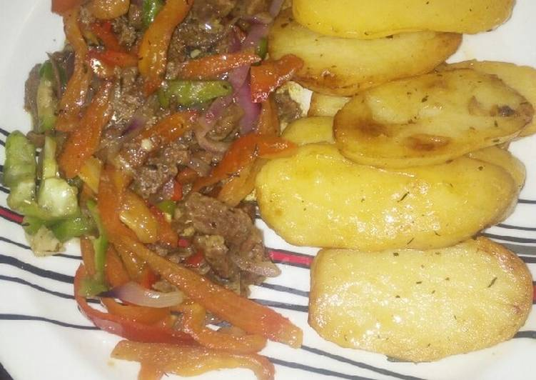 Potatoes With shredded beef sauce