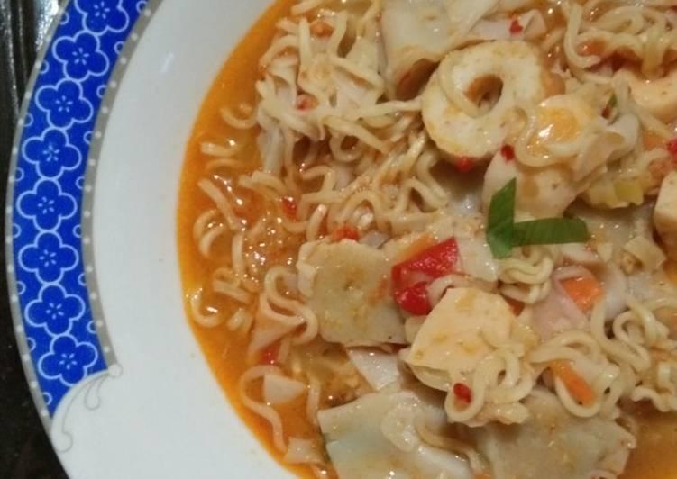 Tomyam Mie Seafood