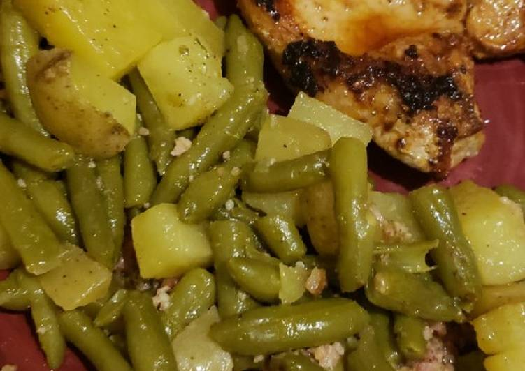 Recipe: Perfect 1 pan potatoes and greenbeans with pan fried bone-in pork chops