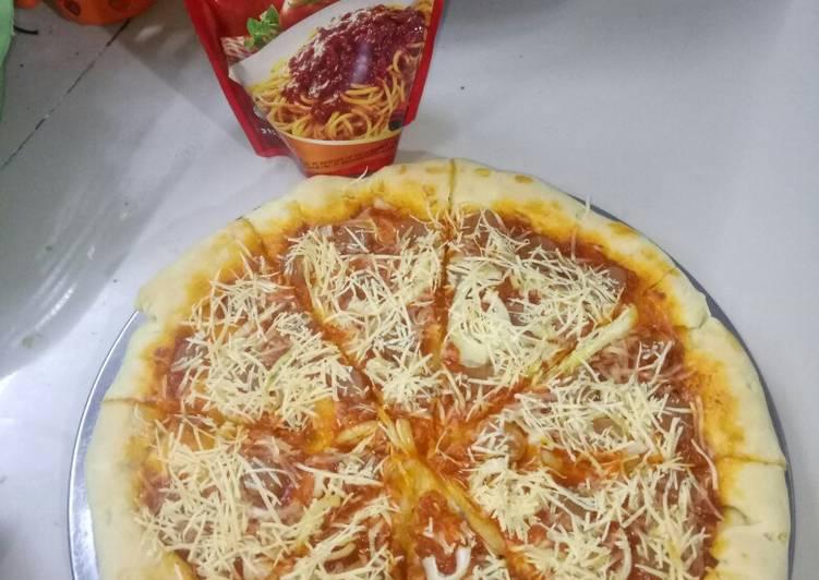Langkah Mudah untuk Menyiapkan Pizza CRUNCY & simpel, ala pizza hut.Pakai teligu kunci biru..😋 Anti Gagal