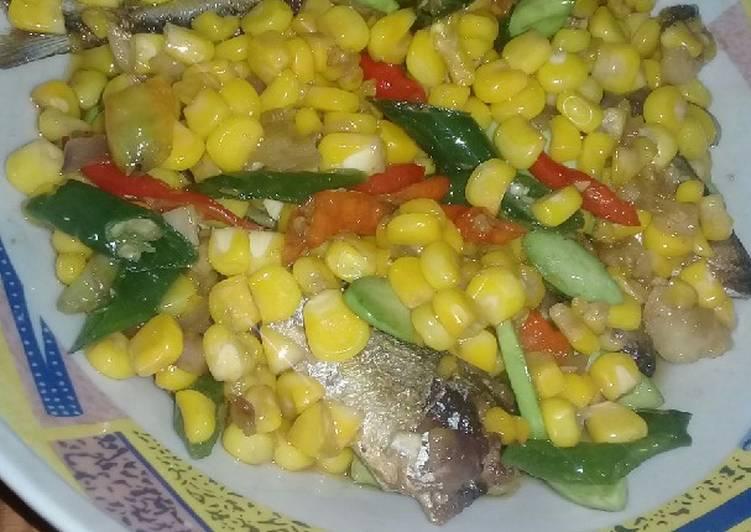 *Tumis jagung ikan asin pete*
