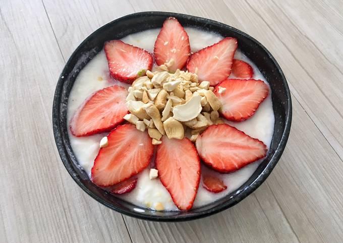 Recipe: Tasty Keto-Friendly Strawberry & Cashew Yogurt