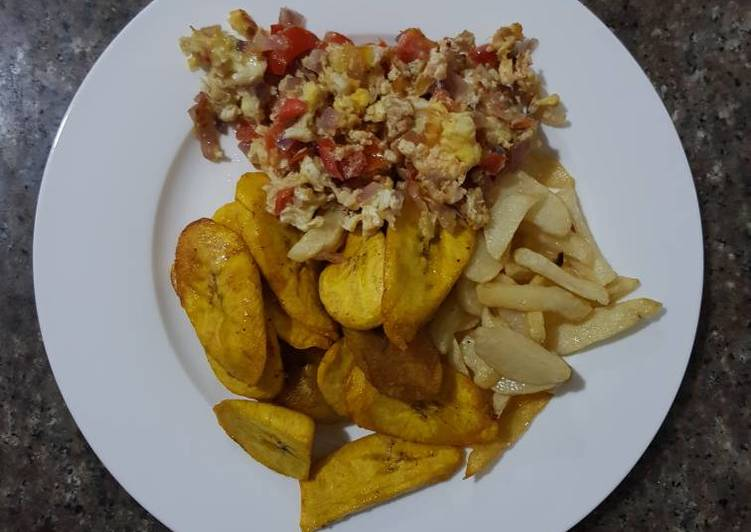 Fries Irish & Plantain with Scramble Eggs