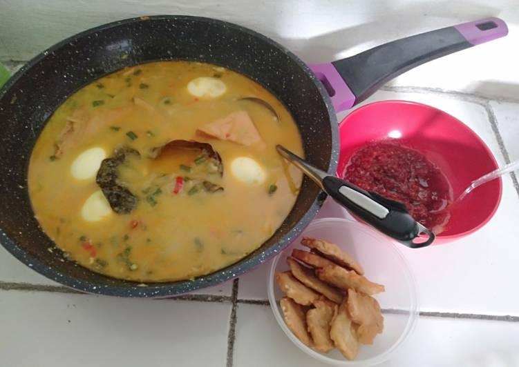 Lontong Sayur Tempe Kacang Panjang + Telur, Tahu Coklat
