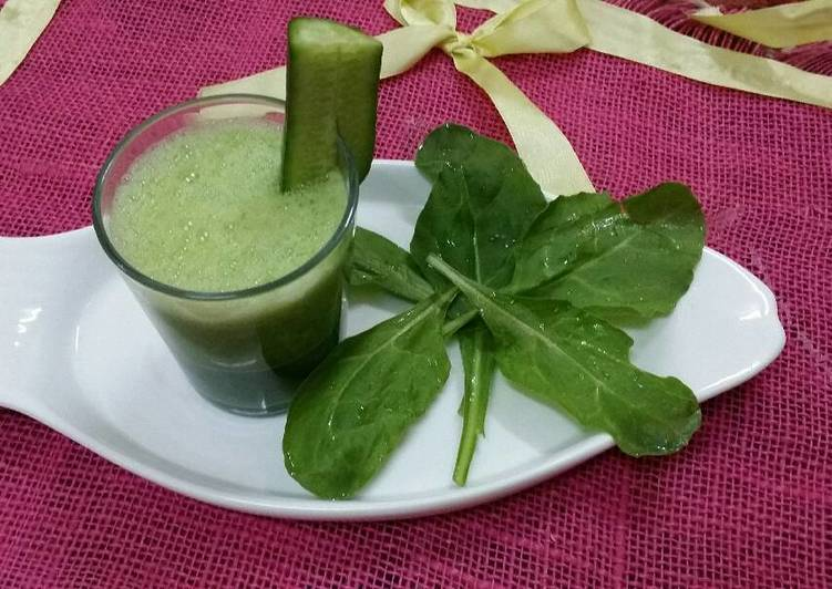 Cucumber,Spinach and Green tea Smoothie..#wecare
