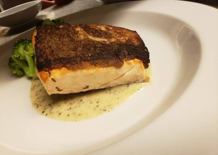Recipe of Any-night-of-the-week Rye encrusted salmon