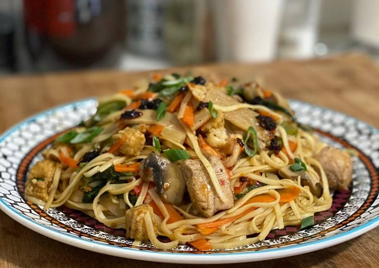 Chicken & Shrimp Noodles
