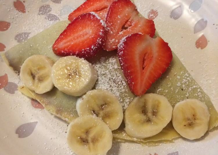 How to Make Tasty Basic Crepe with strawberry banana Nutella spread