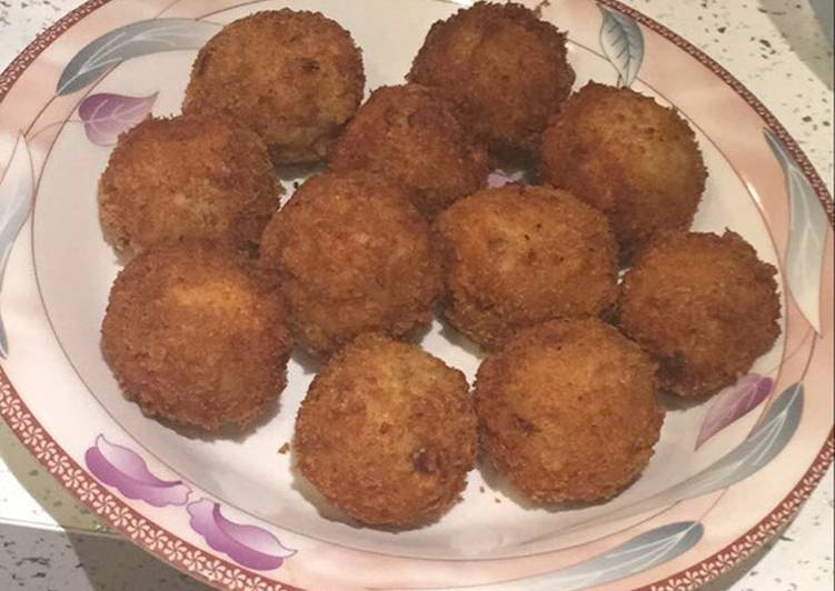 Chicken and potato cheeseballs