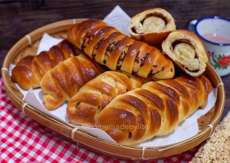 Resep Roti kepang isi pisang coklat #homemadebylita Paling dicari