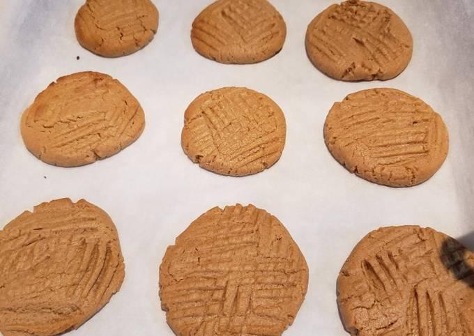 Keto, THM, Sugar Free Peanut Butter Cookies