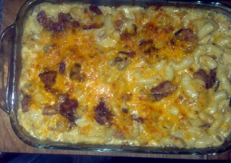 SugaMamas Baked Bacon, Mushroom, Mac & Cheese