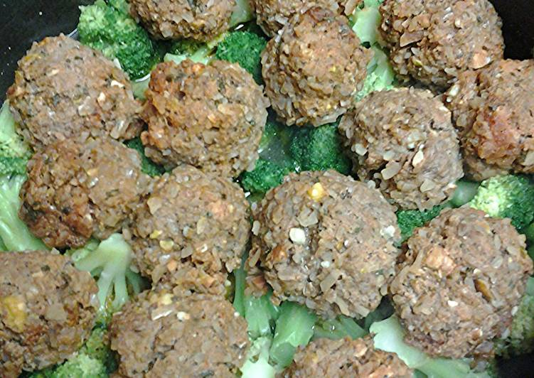 Steps to Make Award-winning Kofta on a bed of broccoli