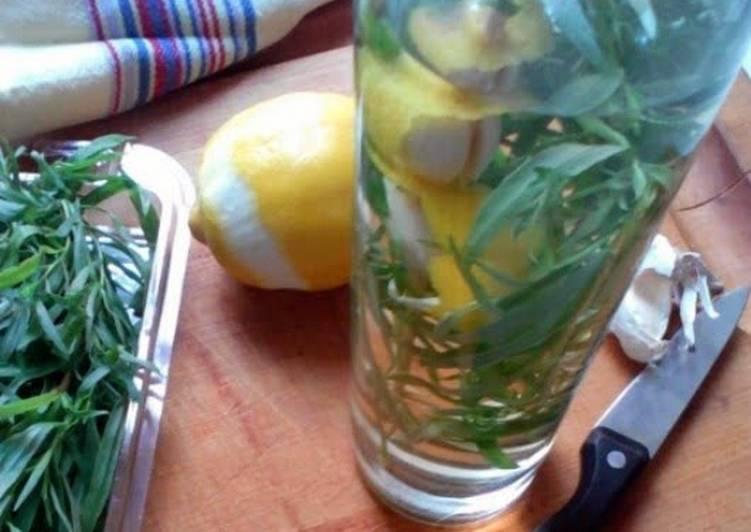 How to Make Ultimate Tarragon Vinegar