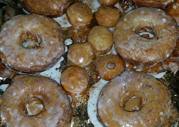 Pumpkin spice homemade donuts