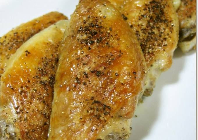 Crunchy-Skinned Chicken Wings on the Grill