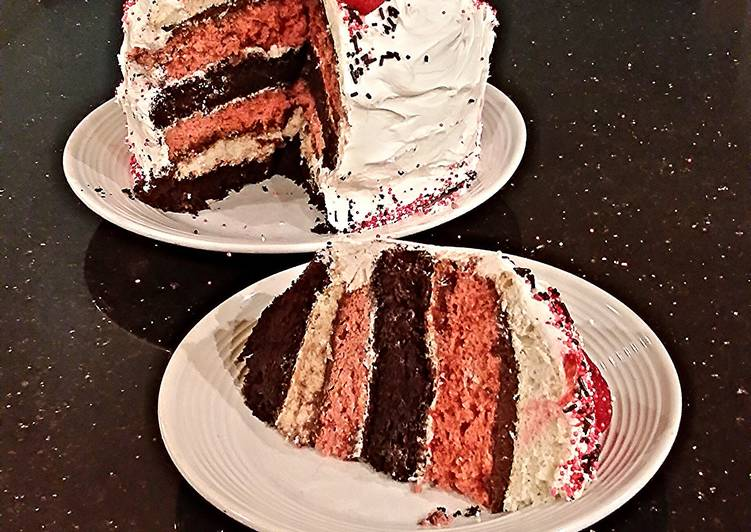 How to Prepare Speedy Neapolitan Layer Cake