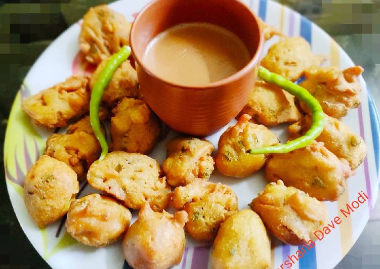 Step-by-Step Guide to Make Homemade Methi Pakoda Fenugreek fritters