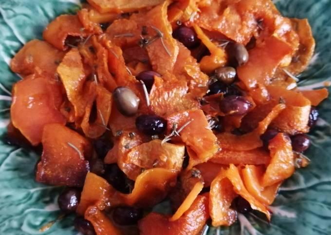 Sfoglie di zucca al forno con olive taggiasche e rosmarino