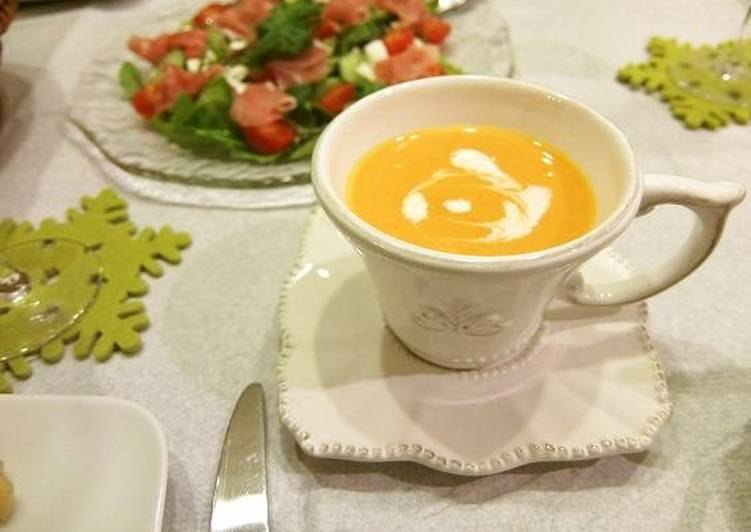 Simple Way to Make Favorite Creamy Carrot and Red Bell Pepper Soup