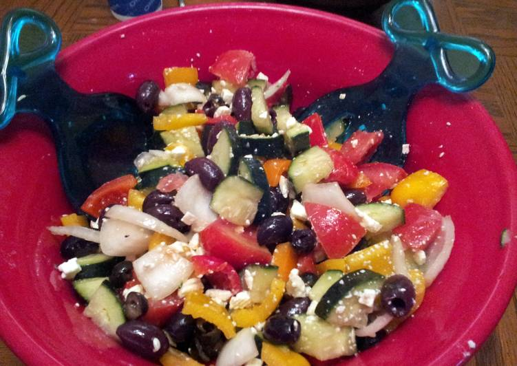 Dining 14 Superfoods Is A Superb Way To Go Green For Better Health Greek Cucumber Salad