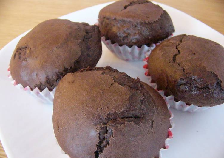 Easy Molten Chocolate Cake with Pancake Mix and Chocolate