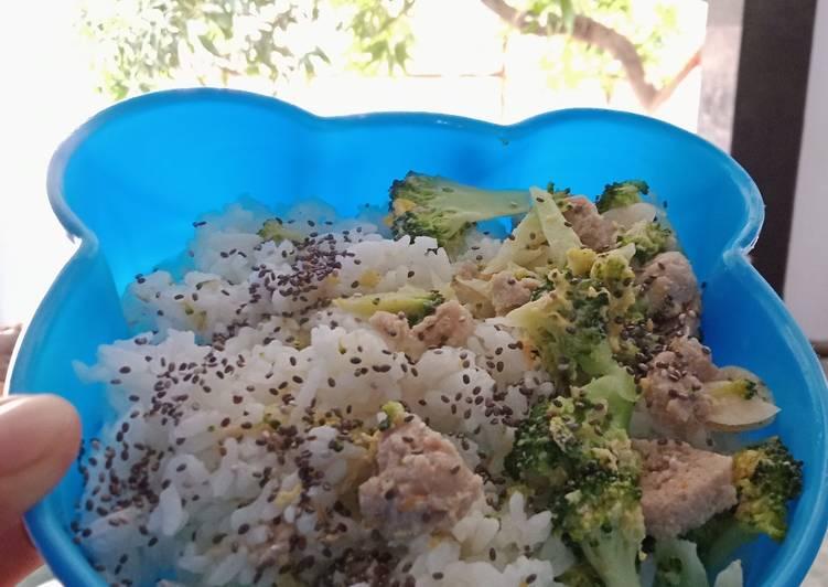 Tumis Brokoli Bakso Telur Sehat