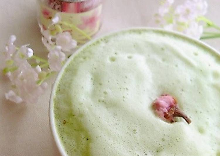 Easy to Make Simple Spring-Coloured Sakura Matcha Latte