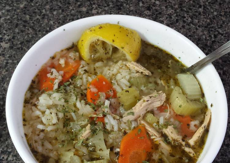 Hearty Turkey and Rice Soup