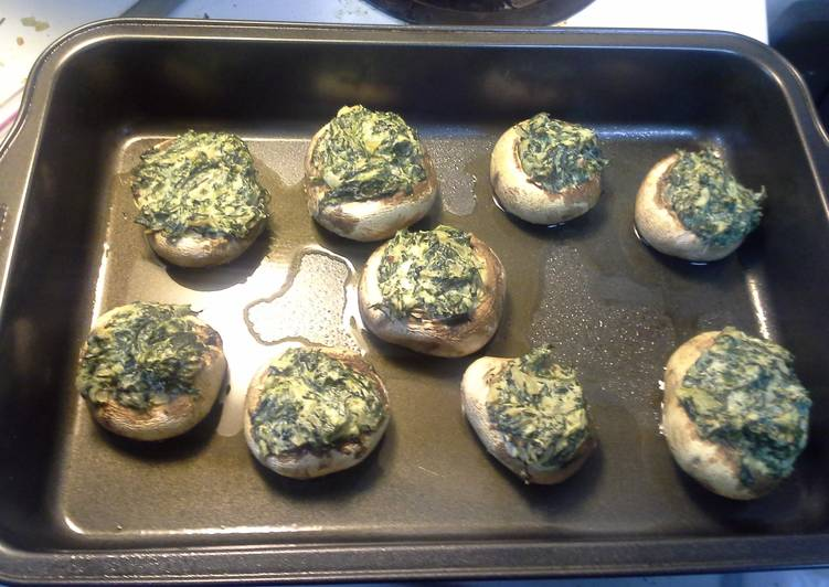 Mushrooms stuffed with spinich and onions
