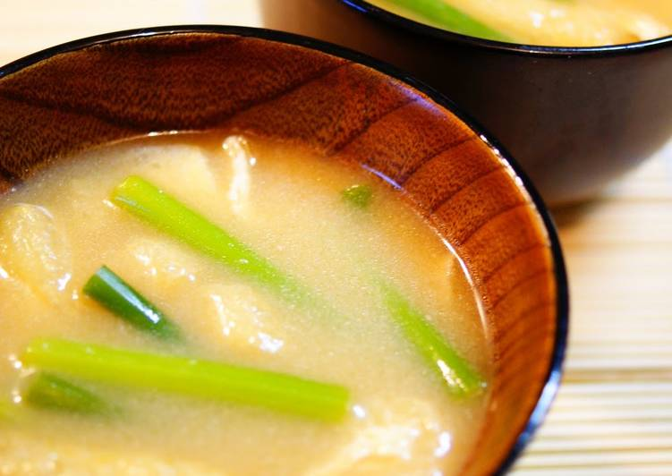Step-by-Step Guide to Make Super Quick Homemade Garlic Shoot and Aburaage Miso Soup