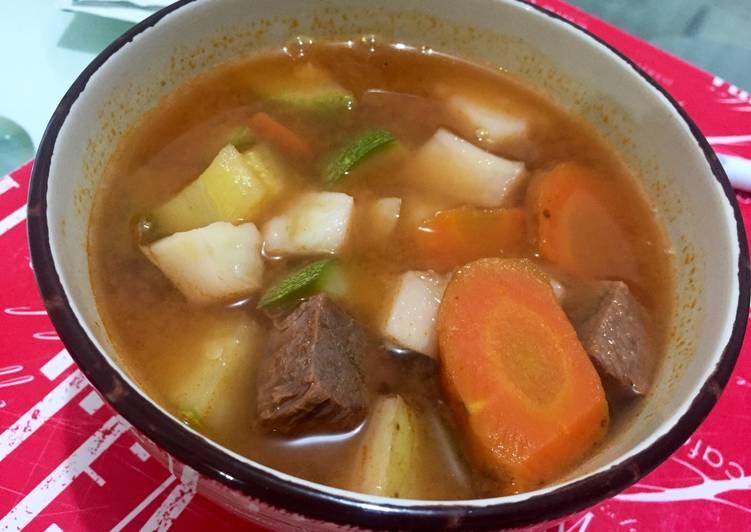 Caldo De Verduras Con Trozos De Carne Receta De Lizzy Cookpad