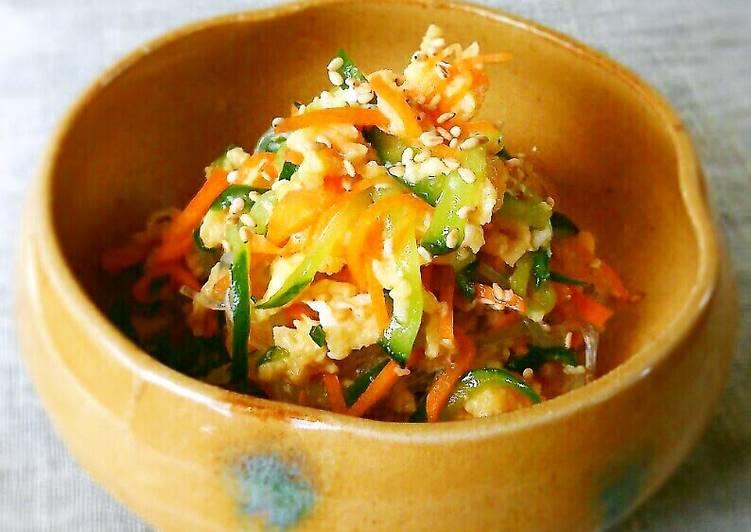 Recipe of Quick Sunomono-Style Carrot, Cucumber, and Egg Salad