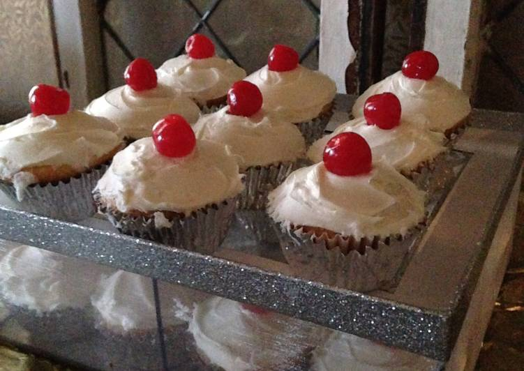 Cherry Topped Holiday Cupcakes