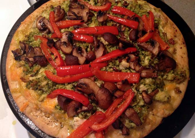 Easiest Way to Make Perfect 3 Cheese Pesto Chicken Pizza