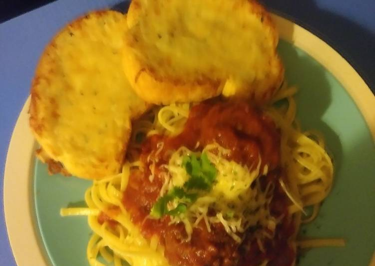 Slow cooker spaghetti & meatballs with marinara sauce, Heart Friendly Foods You Need To Be Eating