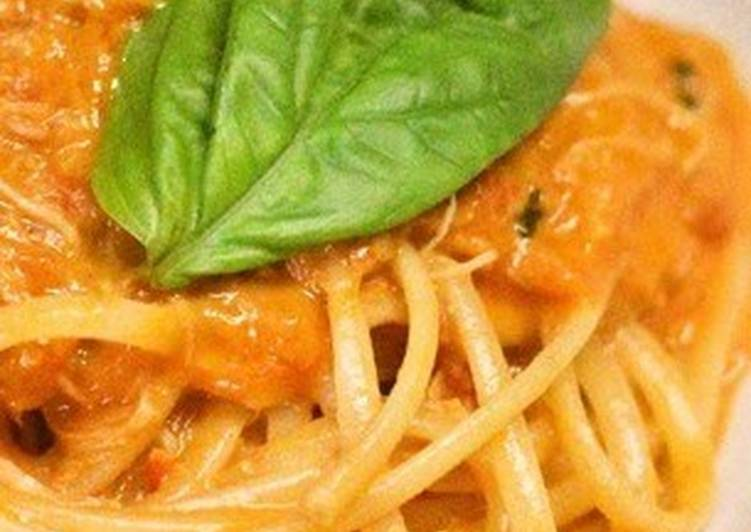 Tomato Cream Pasta with Crabmeat